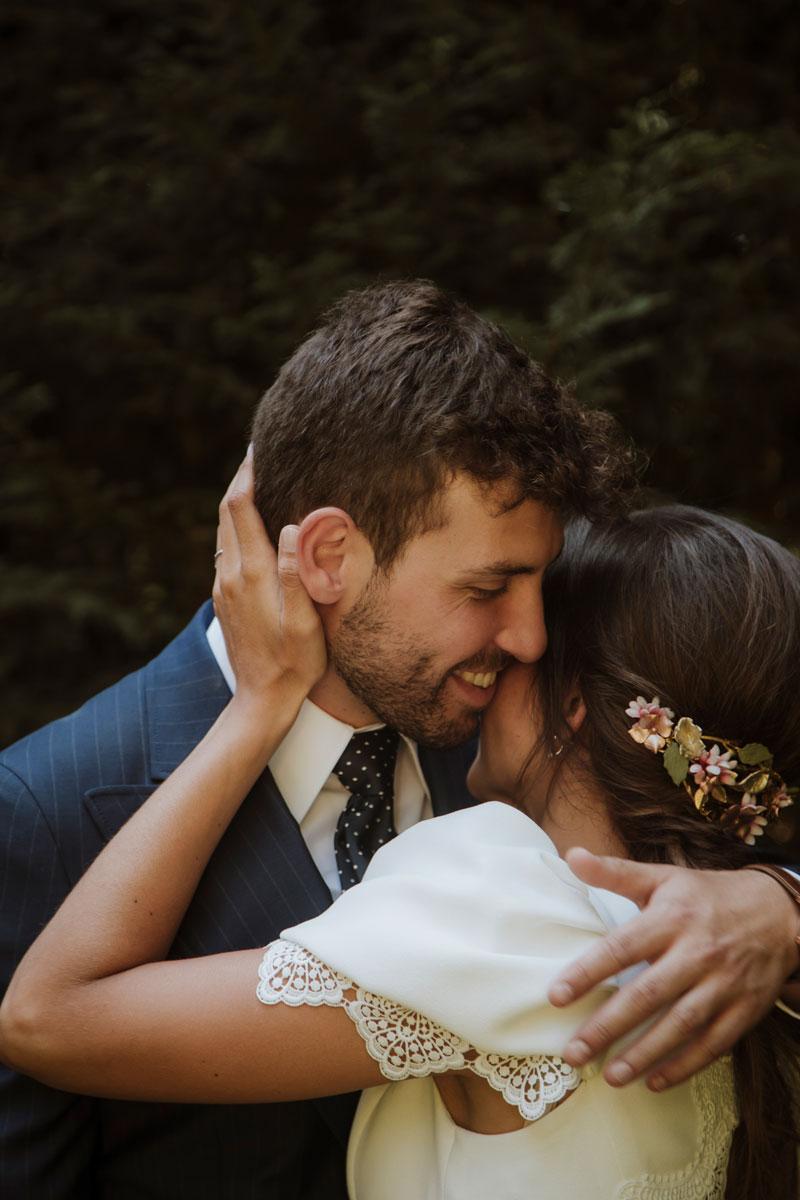 Sesión de bodas abrazo