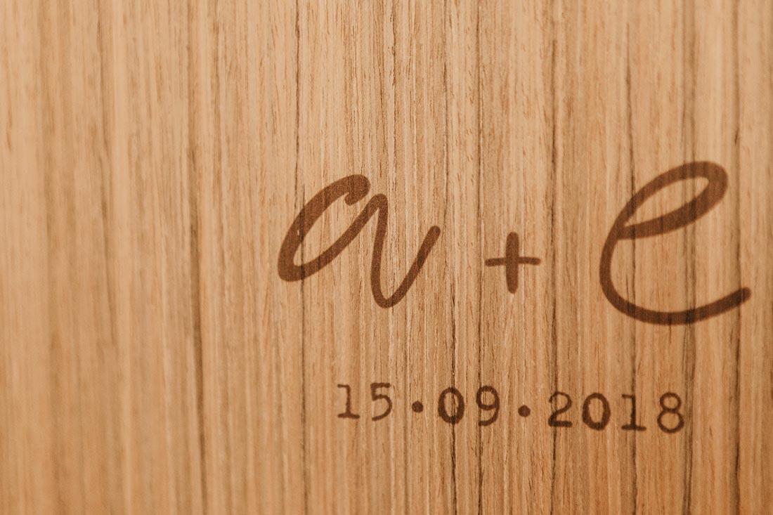 álbum de madera
