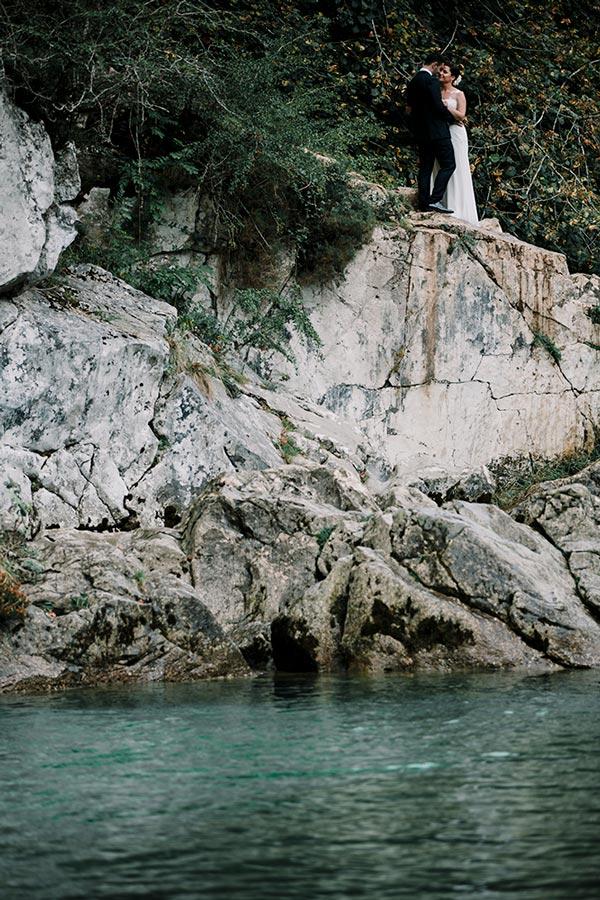 sesión postboda en el río