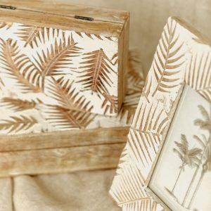 marco y caja de madera